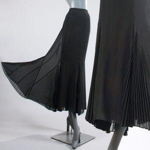 L/XL Vintage 90s Black Maxi Goth Skirt